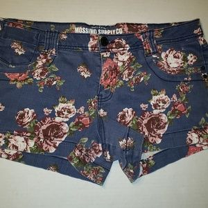 🍭  Mossimo Supply Co  Shorts floral print, Jr 17